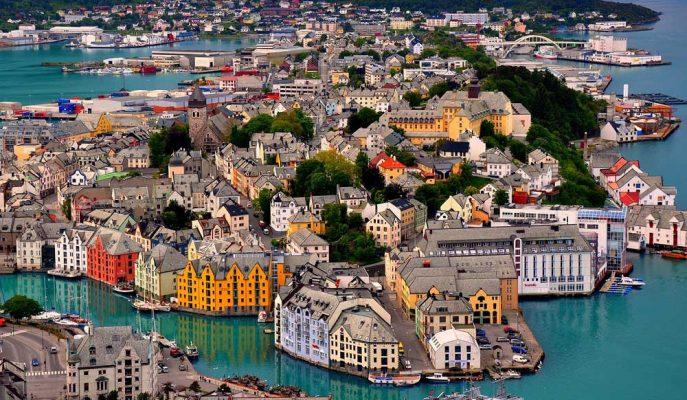 Petrole Bağımlılığı Azaltmak için Norveç Varlık Fonu Yeniden Düzenleniyor
