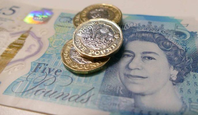 Sterlin İngiltere'nin AB'den Anlaşmasız Ayrılma İhtimallerinin Artmasıyla Yükseldi