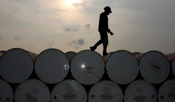 Suudi Arabistan'ın Üretim Kısıntısını Artıracağı Haberi Petrol Fiyatlarını Destekliyor