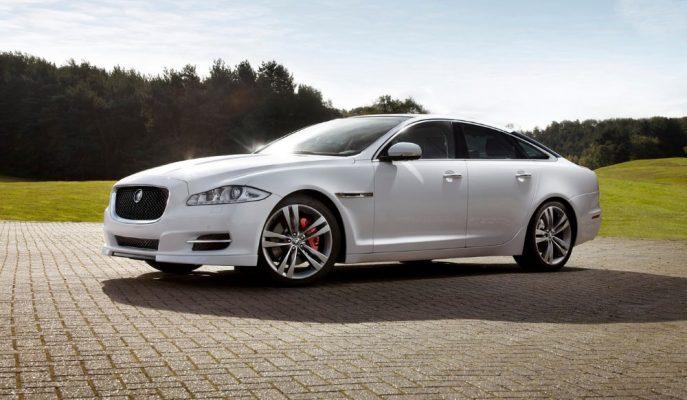 Jaguar XJ Audi E-Tron GT ve Tesla Model S'e Kilitlendi!