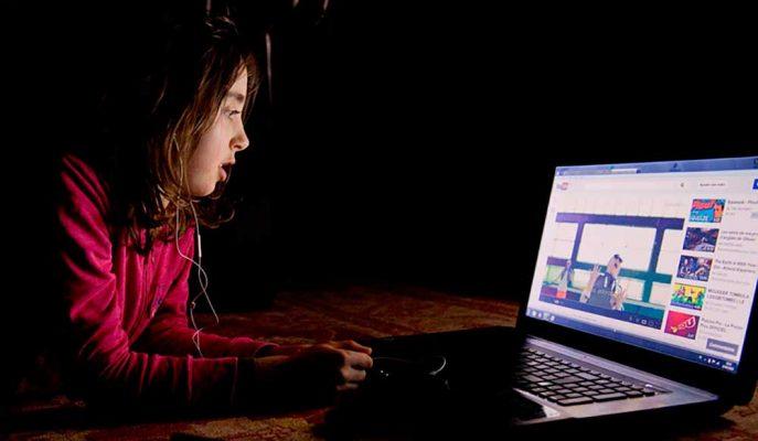 YouTube Ağırlıklı Olarak Çocukların İzlediği Çok Sayıda Videoyu Yoruma Kapattı