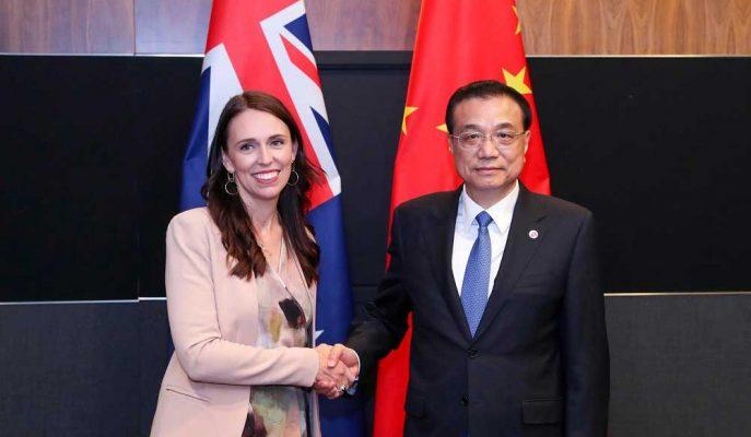 Çin Başbakanı Yeni Zelandalı Mevkidaşına Adil Yatırım Ortamı için Çağrıda Bulundu