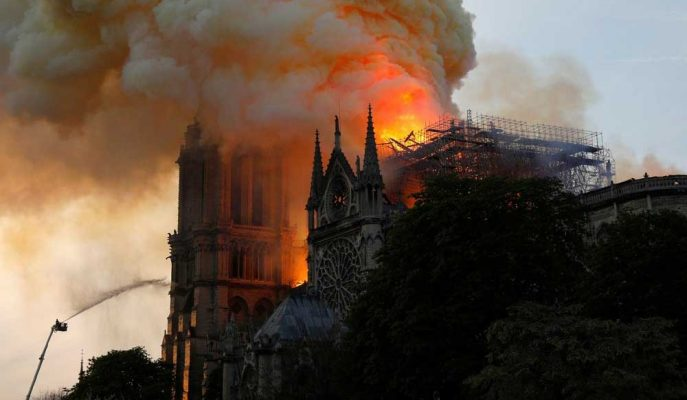 Fransa'nın En Zengin İki İsmi ile Total Notre Dame için 400 Milyon Euro Bağış Sözü Verdi
