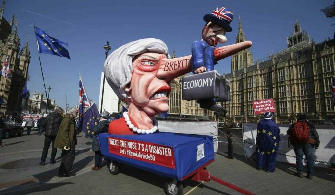 İngiltere'nin Hizmet Sektörü Brexit Belirsizliği ile Gerileme Kaydetti
