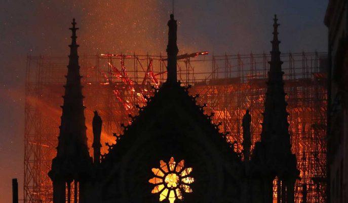 Notre Dame Katedrali için 1.5 Günde Yaklaşık 1 Milyar Dolar Bağış Toplandı!