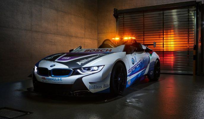 Dünyanın İlk Üstsüz Güvenlik Aracı BMW i8 Roadster Formula E'de