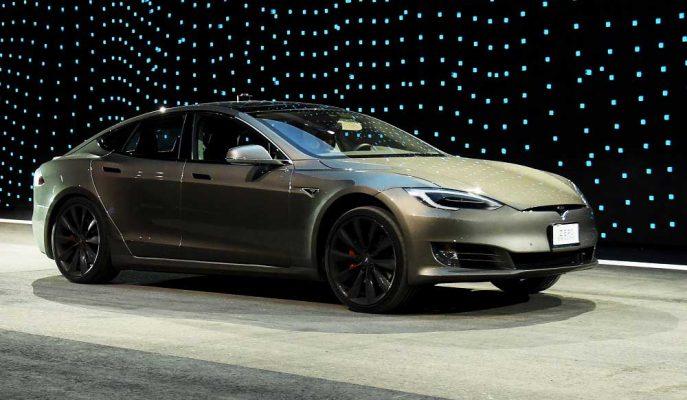 Tesla Hisseleri En Kötü Senaryoda 10 Dolara Kadar Düşebilir
