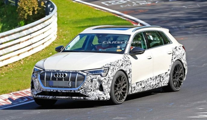Nürburgring'e İndirilen Audi E-Tron'un S veya RS Varyantı Test Ediliyor!