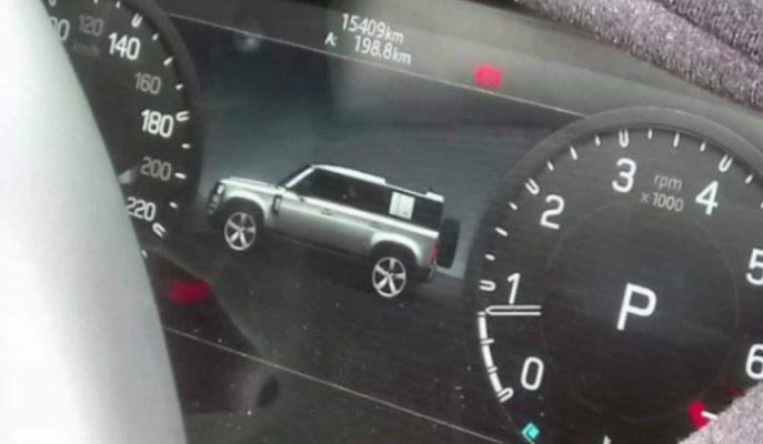 2020 Land Rover Defender Kendi Dijital Göstergesinde Yakalandı!