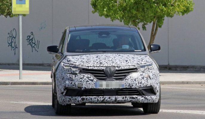 Renault'un Emektar MPV'si Espace Makyajlı Haliyle Sokaklara Çıkıyor!
