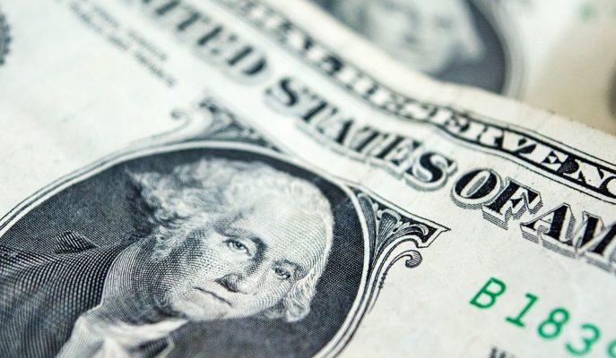 Fitch'e Göre ABD Doları Küresel Rezerv Para Konumunu Kaybetme Riski Taşıyor