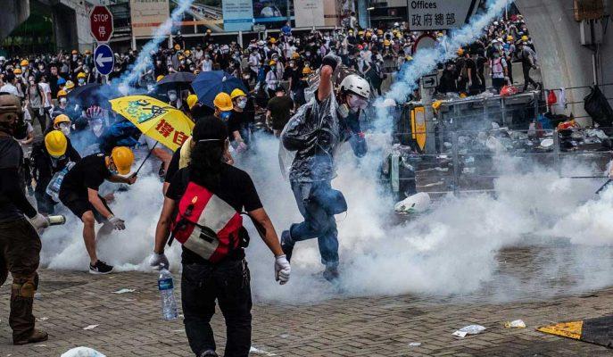 Hong Kong Hükümetinin Çin'e İade Tasarısını Askıya Alacağı İddia Edildi