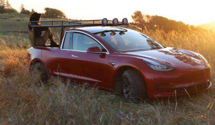 Simone Giertz Adlı YouTuber Tesla Model 3'ünü Pick-up'a Dönüştürdü!