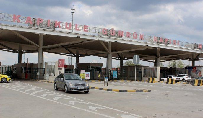 İhracat Ürünlerini Taşıyan Türk Tırları Macaristan Engeline Takılıyor