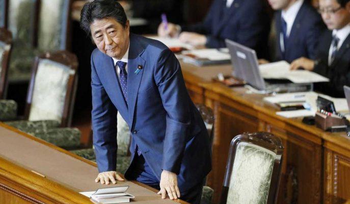 Shinzo Abe Japonya'nın Ekonomisini Düzeltmek için Daha Fazla Para Harcamalı