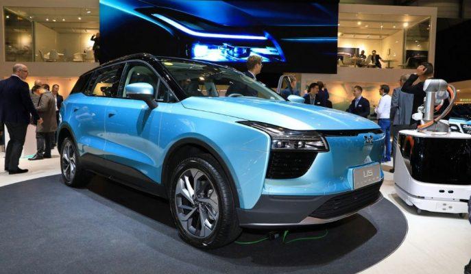 Çinli Aiways'in Elektrikli U5 SUV'u 14 Bin Km'lik Yolculuğa Çıkartılıyor!