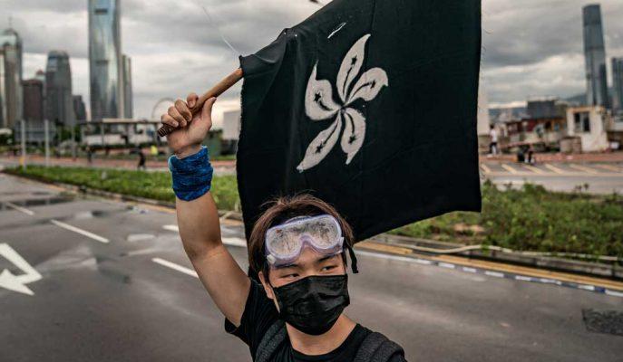 Hong Kong'un Çin'e Teslim Edilmesinin 22. Yılında Binlerce Kişi Sokaklara Döküldü