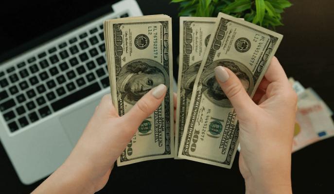 Dolar Yukarı Yönlü Seyrederken, Ekonomistler Olası Faiz İndiriminin Kura Etkilerini Değerlendirdi