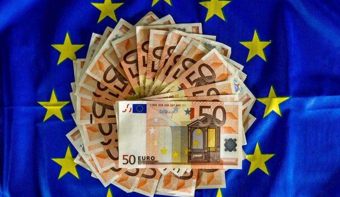 Euro Bölgesi'nin İkinci Çeyrek Büyümesi Yarı Yarıya Azaldı, Enflasyon Düşük İşsizliğe Rağmen Yavaşladı