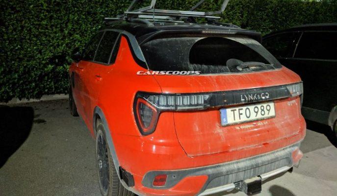 Lynk & Co 01 İtalya'da Garip Tavan Radarıyla Görüntülendi!