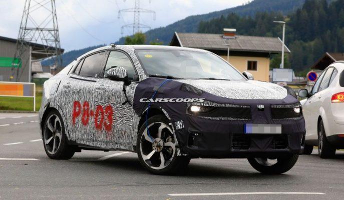 Lynk & Co'nun 05 Coupe SUV'u Alplerde Yakalandı!