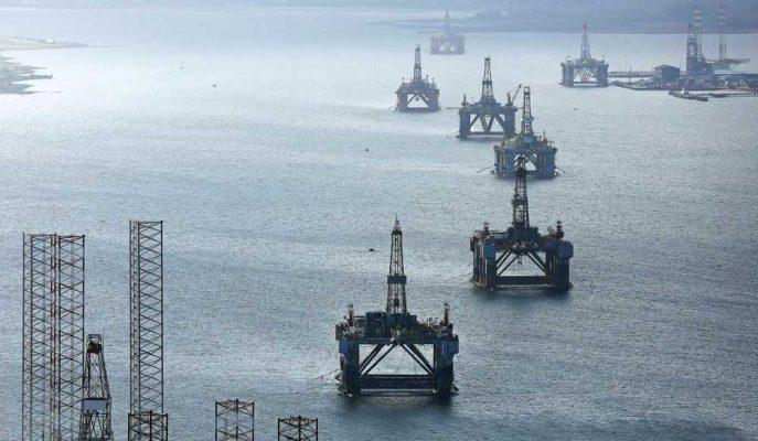 OPEC+ Petrol Fiyatlarını Desteklemek için Arz Kesintilerini Uzatmayı Kabul Etti