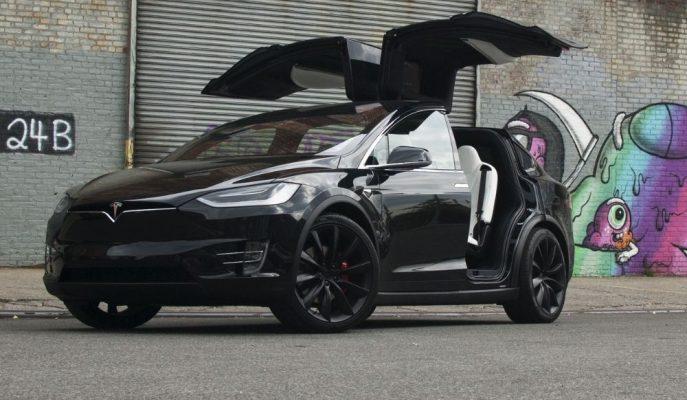 Tesla, Modelleri Üzerinden Yine Bir Donanim Paketi Kaldırma Kararı Aldı!