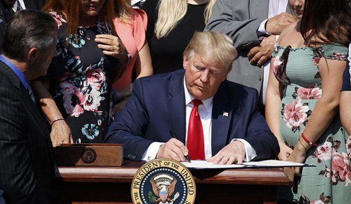 """Trump """"11 Eylül Kurbanları Tazminatı Fonu"""" Yasasını İmzalayarak 2092'ye Kadar Uzattı"""