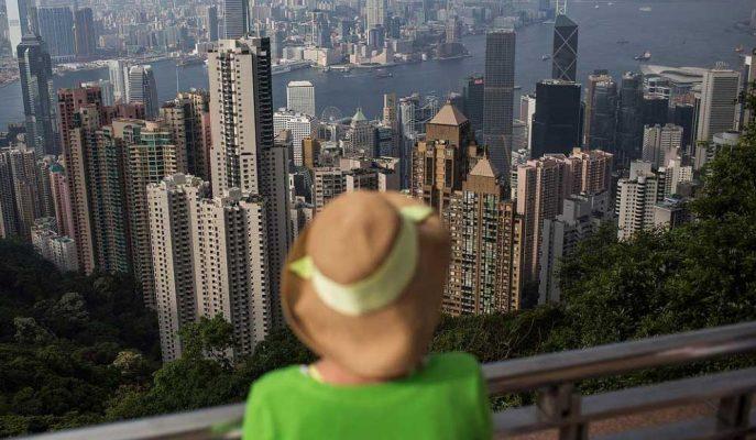 Carrie Lam: Hong Kong Ekonomisi Gerileme Riski ile Karşı Karşıya
