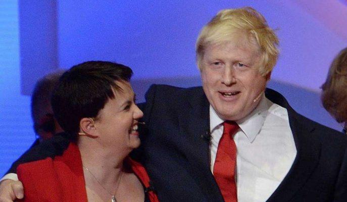 İskoç Muhafazakarları Lideri Ruth Davidson, Aile ve Brexit Gerekçeleriyle İstifa Etti