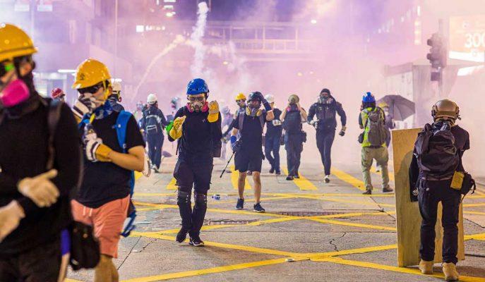 Şiddetlenen Hong Kong Protestolarıyla Hang Seng Endeksi Yaklaşık %3 Düştü
