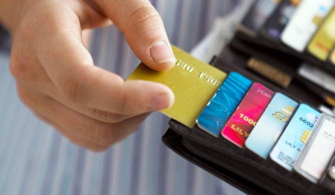 Ağustos 2019'da Kart Sayısı %11 Artarken, 10 Kartlı Ödemeden Biri Temassız!