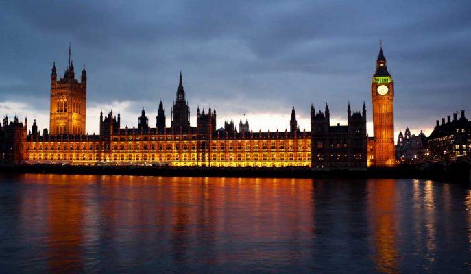 Başbakan Boris Johnson'ın İngiliz Parlamentosunu Askıya Alması Yasa Dışı!