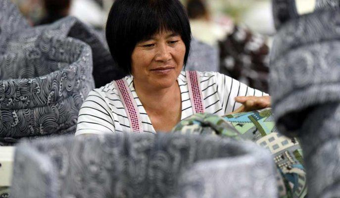 Çin'in Üretim Faaliyetini Gösteren İki İndikatör Beklentileri Aştı