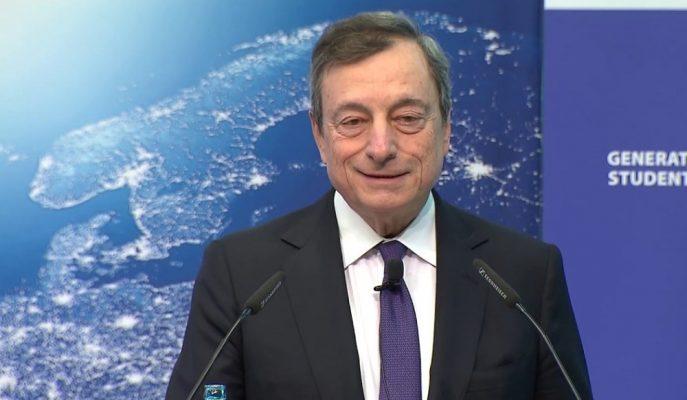 Draghi, AMB'nin Enflasyonu Desteklemek için Daha Fazla Alanı Olduğunu Bildirdi