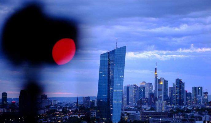 AMB Başkanı Draghi'nin Devasa Bir Teşvik Planını Açıklaması Bekleniyor