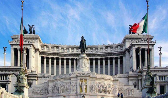 İtalya'nın Yeni Hükümeti Tarihi Düşük Borçlanma Maliyetleri Fırsatını Değerlendirmeli