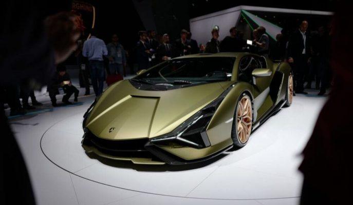 "Lamborghini: ""Aventador'un Halefi Hybrid Sian Hipercar Gibi Olmayacak"""