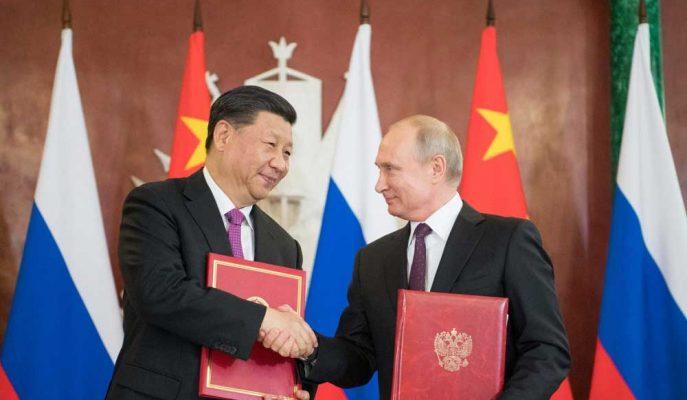 Rusya ile Çin Ekonomik, Politik ve Askeri Bağlarını Artıyor Gibi Görünüyor