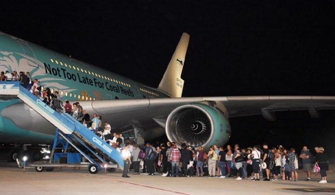 Thomas Cook Tatilcileri İngiliz Sivil Havacılık Kurumu'nun Gönderdiği Uçakla Ülkesine Uçuyor