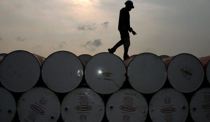 Artan ABD Stoklarıyla Düşüş Gösteren Ham Petrolün Varil Fiyatı 55 Dolarda Seyrediyor