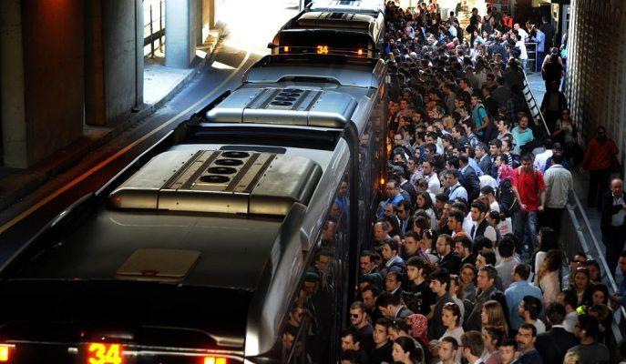 İstanbulluların Metrobüsü Günlük 450 Bin Dolarlık Cirosuyla Dudak Uçuklatıyor!