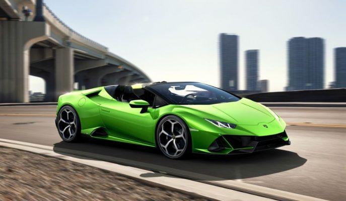 Lamborghini Huracan Selefini İkiye Katladı!