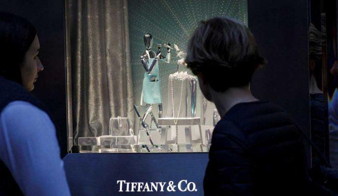 LVMH Tiffany'yi Satın Almakla İlgilendiğini Doğruladı, Hisseler Arttı