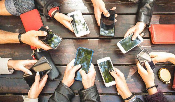 Türkiye'deki Kullanıcılar 13 Dakikada Bir Akıllı Telefonuna Bakıyor