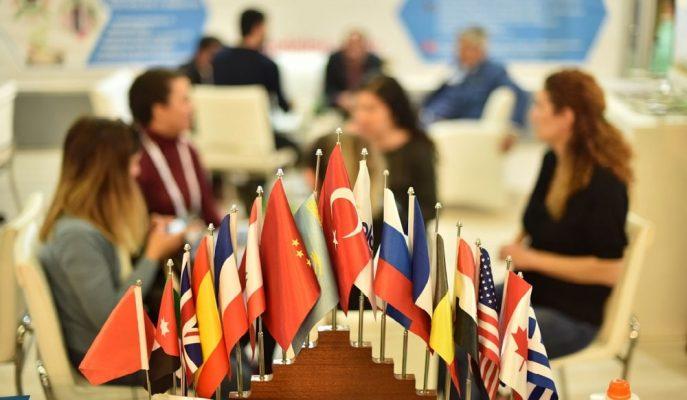 Antalya, Dünyanın En Büyük Seracılık Fuarı'nda 130'u Aşkın Ülkeyi Ağırlayacak!