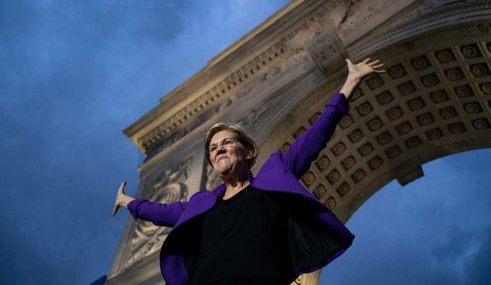 Elizabeth Warren Sağlık Planı için Orta Sınıfın Vergilerini Artırmama Sözü Verdi