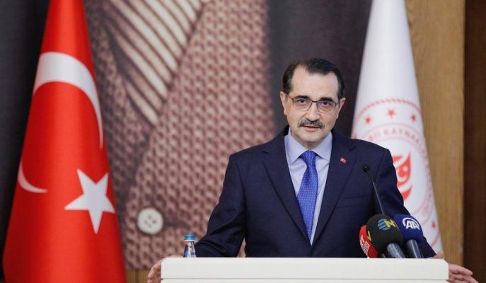 """Enerji Bakanı Dönmez: """"Türkiye'yi Yenilenebilir Enerji Üssüne Çevirmeyi Hedefliyoruz"""""""