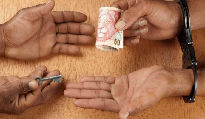 İngiliz Milletvekili Güney Afrika'daki HSBC, Stanchart ve Baroda'yı Yolsuzlukla Suçluyor