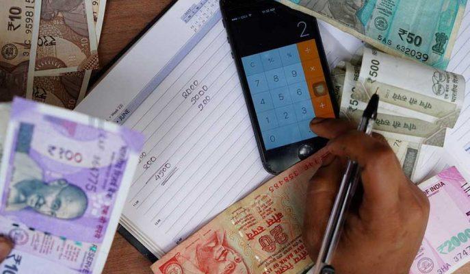 Modi'nin Hedefleri, Üst Düzey Vergi Yetkililerinin İstifasına Neden Oluyor